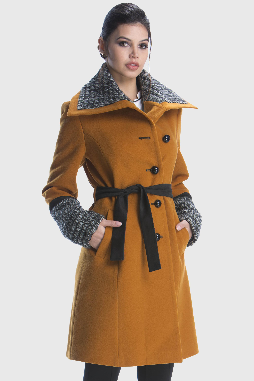 Casaco longo detalhes em lã e suede mostarda