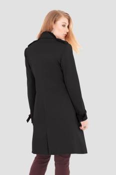 Trench coat alfaitaria acetinado preto