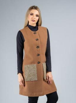 Colete de Lã Sem Gola com bolso chapado marrom