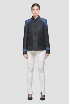 Casaco de lã curto detalhe em jeans cinza