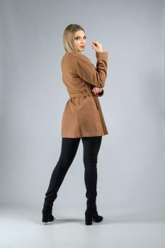 Casaco de lã com cinto marrom camel