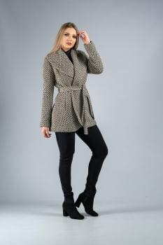 Casaco de lã curto com gola oversize bege
