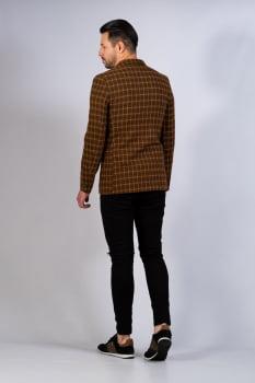 Blazer em lã xadrez e bolsos em couro marrom claro