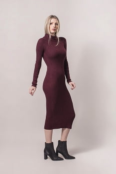 Vestido de tricot midi canelado bordo